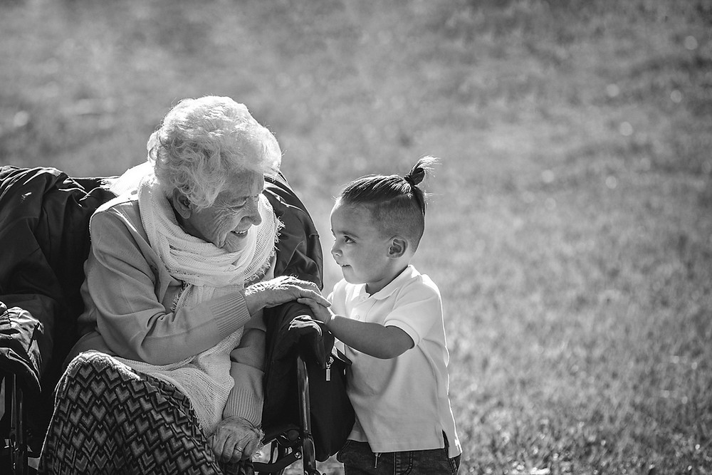 little boy looking at great-grandmother sydney family photographer