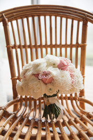Wedding flowers photographed by Blue Mountains Wedding Photographer de lumière photography