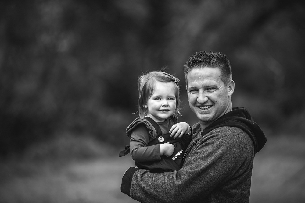 Father and daughter photographed by Blue Mountains Family Photographer de lumiere photography
