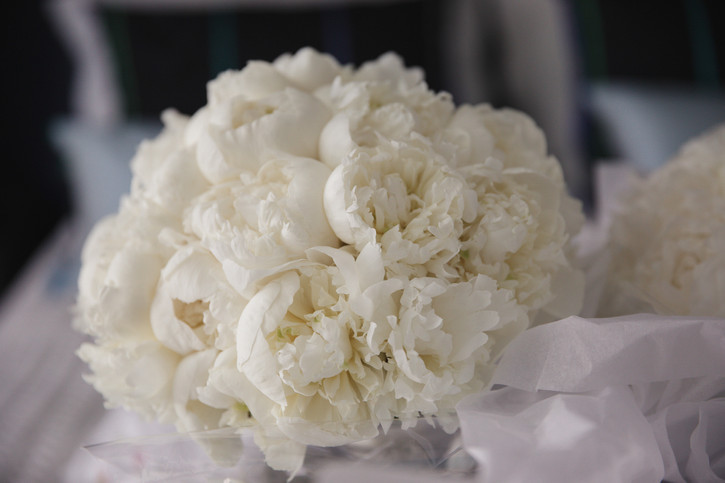 White peony wedding bouquet by Lavande Designs photographed by de lumière photography