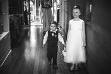Black and white photo of the junior bridal party - de lumière photography