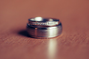 Bride and grooms wedding band photographed by de lumière photography