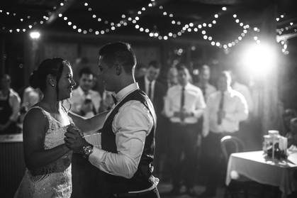 First dance with light country wedding de lumiere photography