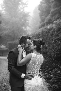 Rainy wedding day in the Blue Mountains - de lumière photography