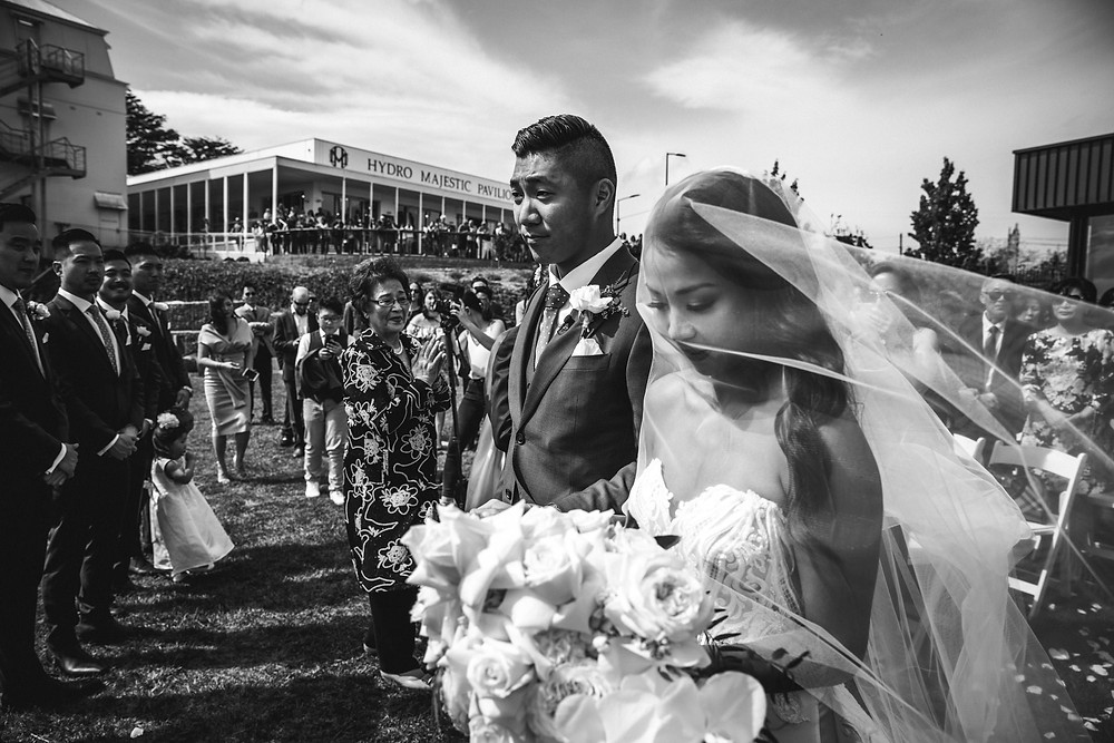 outdoor wedding ceremony hydro majestic wedding photographer