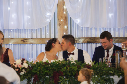 bride and groom kissing country wedding de lumiere photography