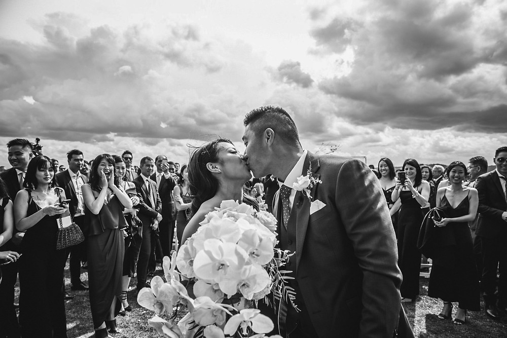 bride and groom kissing hydro majestic wedding photographer