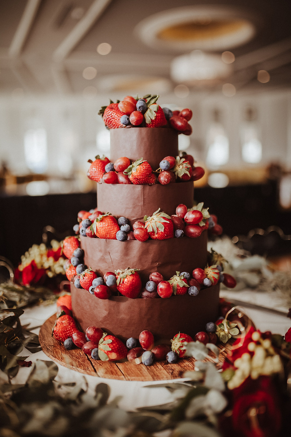 wedding cake hydro majestic wedding photographer