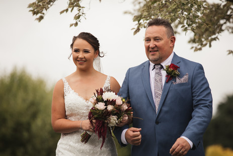 the bride and her father country wedding de lumiere photography