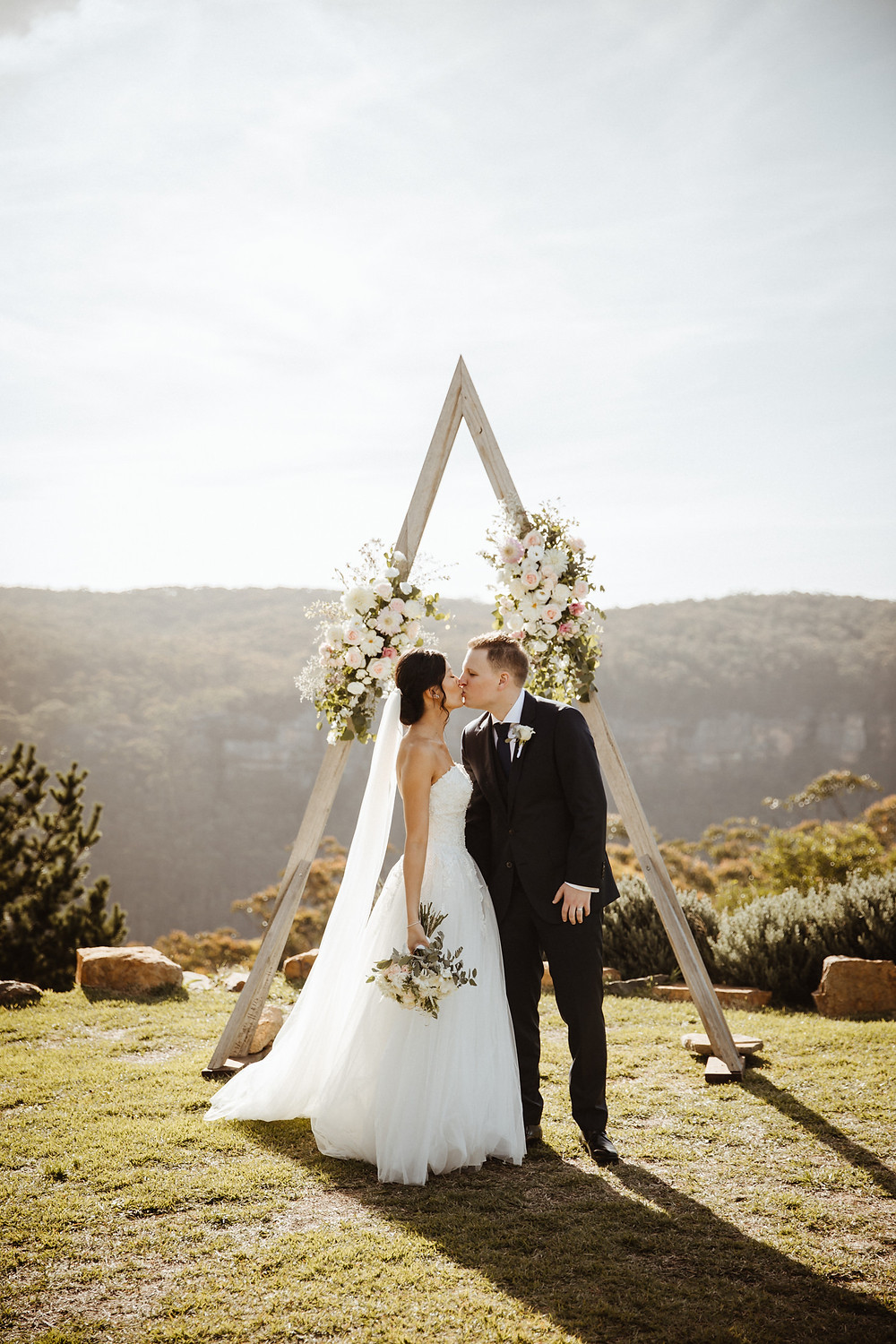 blue mountains wedding at logan brae orchards