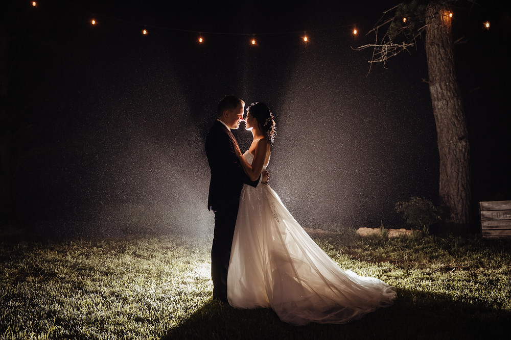 rainy blue mountains wedding at logan brae orchards