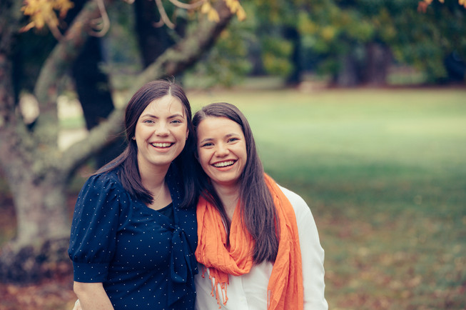Sisters photographed by de lumiere photography