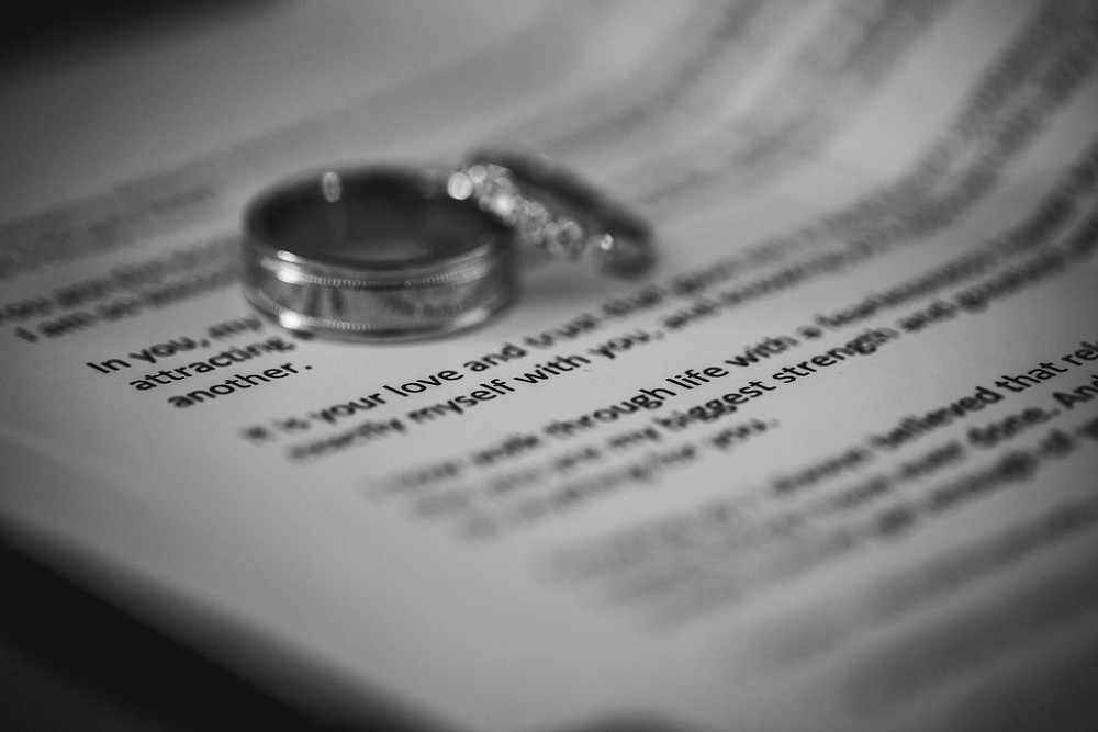 wedding rings de lumiere photography wedding photographer