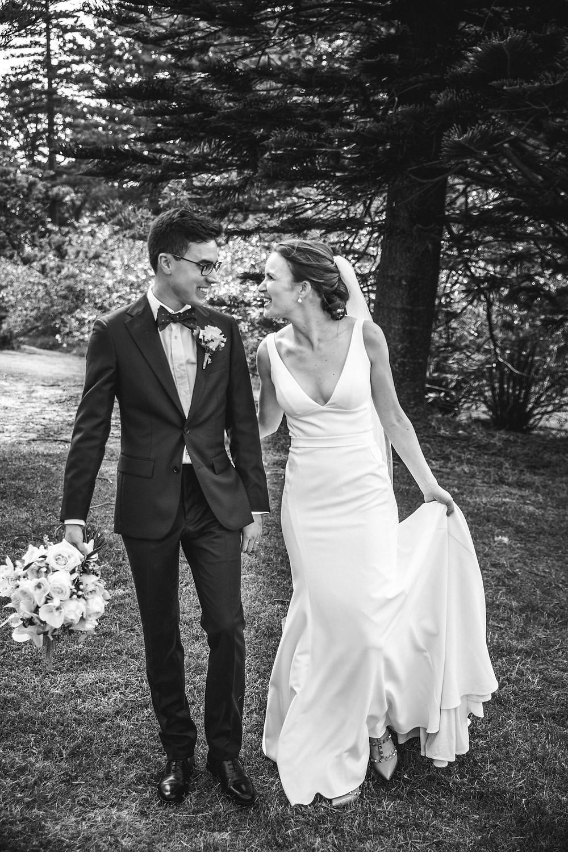 real bride wearing karen willis holmes imogen gown de lumiere photography