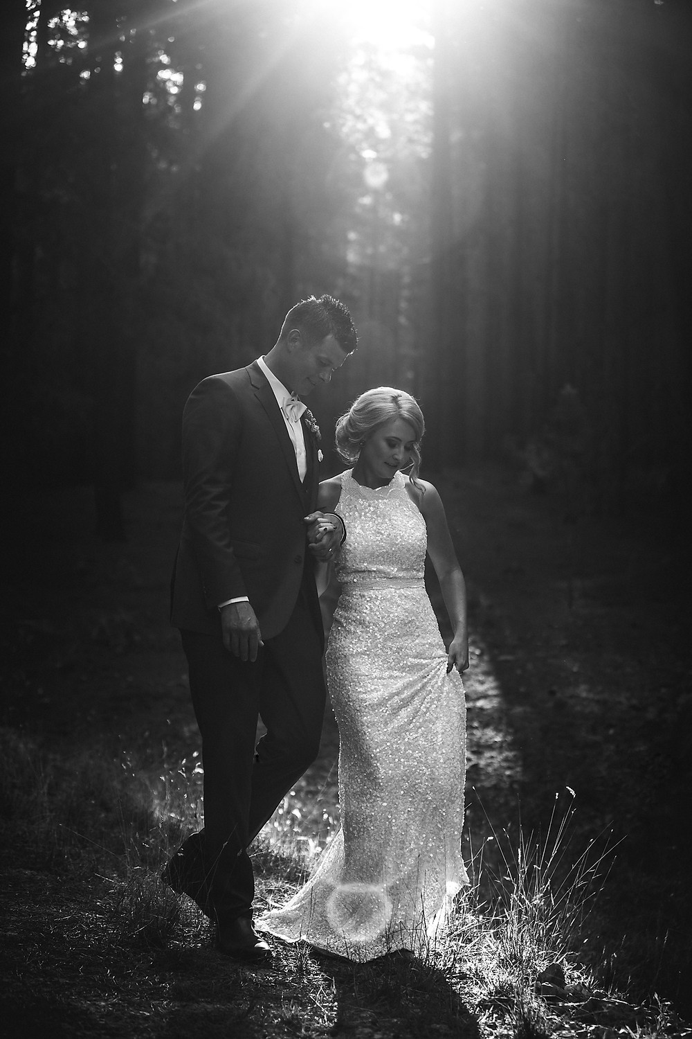 black and white forest wedding de lumiere photography