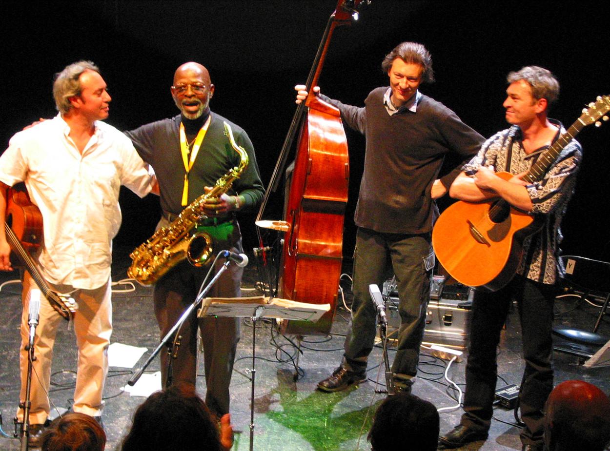 Tonic Strings fet. Joe Lewis & Rätus Fliesch