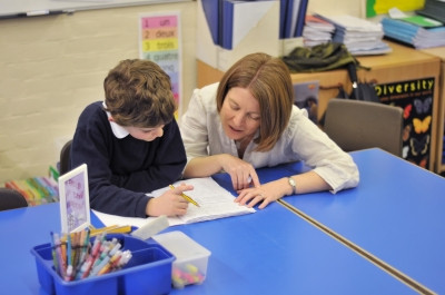 Can I teach in the UK with Level 5 TEFL Certificate?
