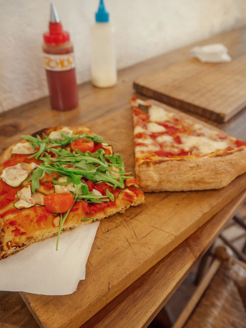 PIZZA BARCELONA BUDGET TRAVEL.jpeg