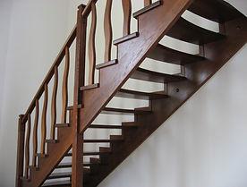 Лестница-с-боковыми-косоурами-1024x768.j