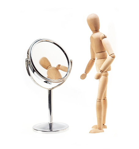 wooden man and mirror_96395060_600sqdpi.