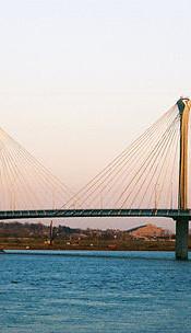 Clark_bridge_west_alton_mo_dec_2009.jpg