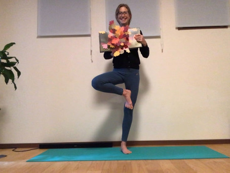 Autumn-themed Kids Yoga and English Ideas