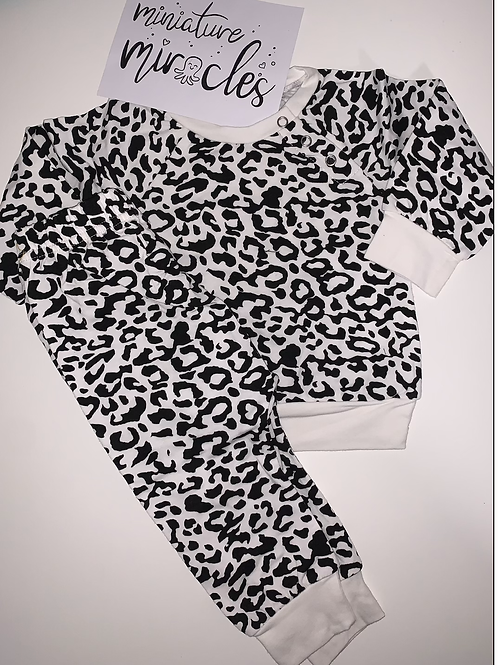 Patterned loungewear