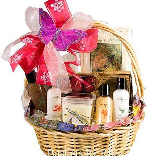 Bath and Candle Gift Basket
