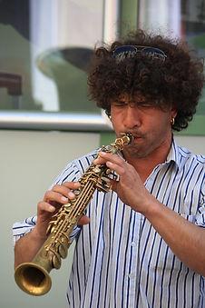 Daje!; fanfre Pau;fanfareTarbes;fanfare 32;fanfare 40; fanfare en déambulation