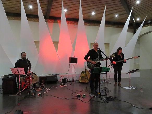 Les Mains Nickelées,Groupe de musique de reprise Pop Rock. Les Mains Nickelées tri de reprise dechansons années 60 à nos jours