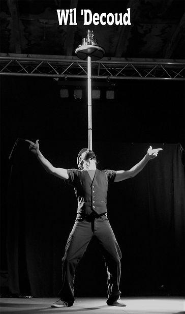 spectacle de cirque;artiste jongleur Tarbes; jongleur Pau; spectacle enfants; artiste de rue 64,spectacle de rue 65; spectacle de rue 32; spectacle de rue 40