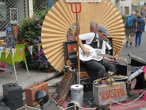 Sebastopol blues; Homme orchestre blues; artiste blues roots; artiste blues France;fesival de blues