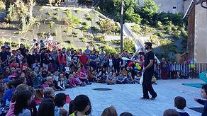 wil decoud jonglerie.jpg;artiste jongleur Tarbes; jongleur Pau; spectacle enfants; artiste de rue 64,spectacle de rue 65; spectacle de rue 32; spectacle de rue 40