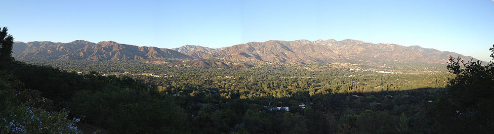 La Canada Flintridge A beautiful place to think and brainstorm and start a hair extension or tea company ! Just like me !
