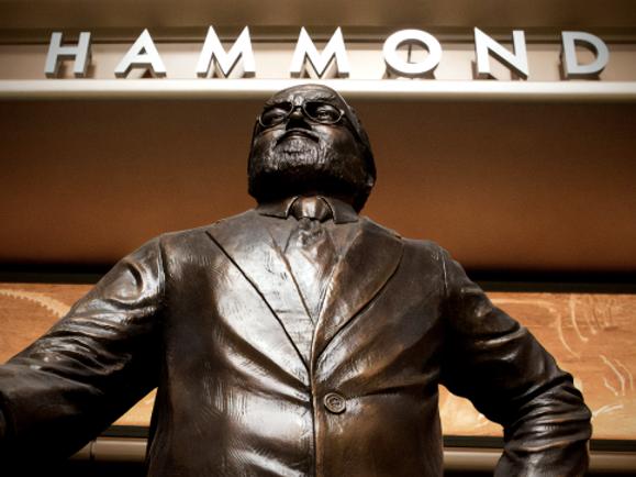 hammond_statue.png