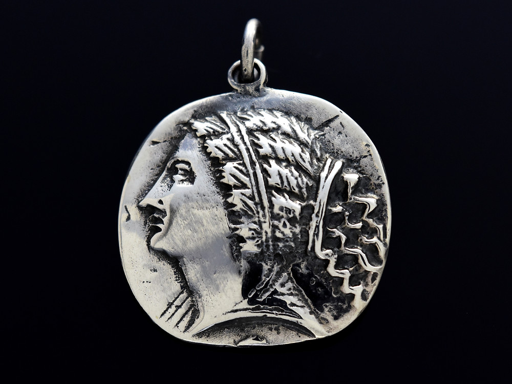 The Silver Aphrodite of Knidos, Artisan's Dominion