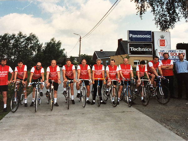 Groepsfoto 1988 (1).jpeg