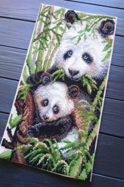 """Вышивка крестом """"Панда с детёнышем"""" 1159, размер работы: 22х38 см. Риолис"""