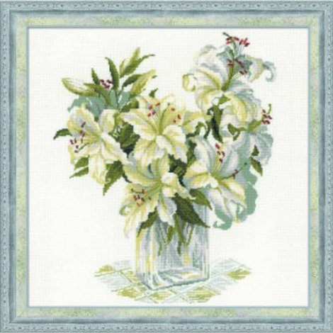 """Вышивка крестом """" Белые лилии"""" 1169, размер работы: 45х45 см. Риолис"""
