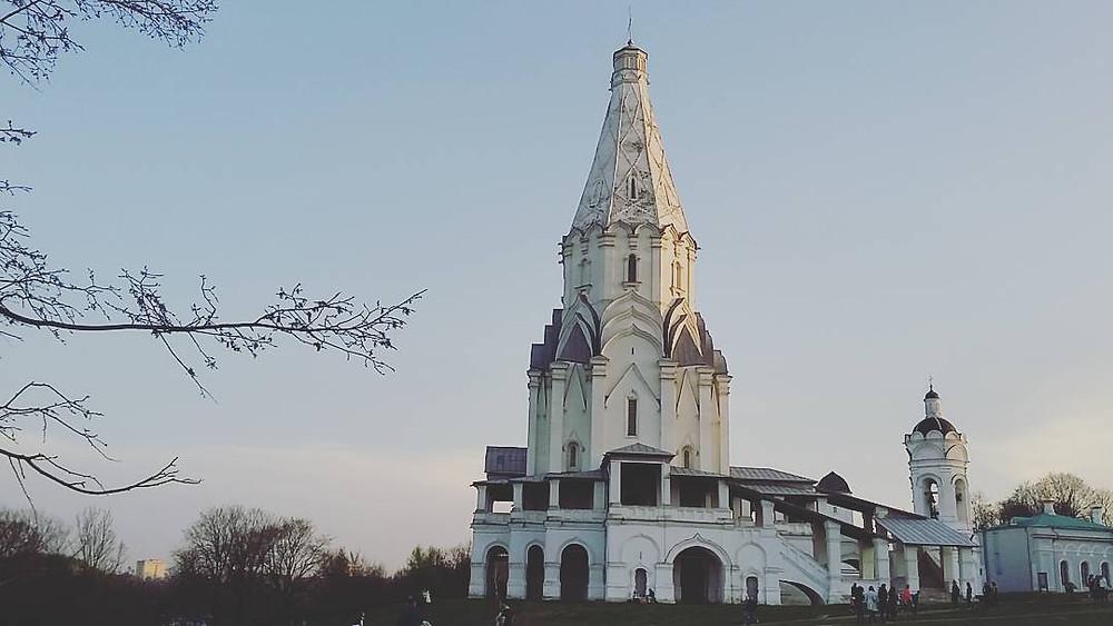 Церковь в парке-заповеднике Коломенское (Москва)