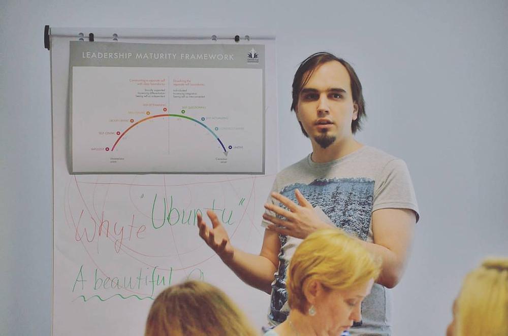 Евгений Пустошкин на курсе Сюзанны Кук-Гройтер по теории развития эго (Будапешт, Венгрия)