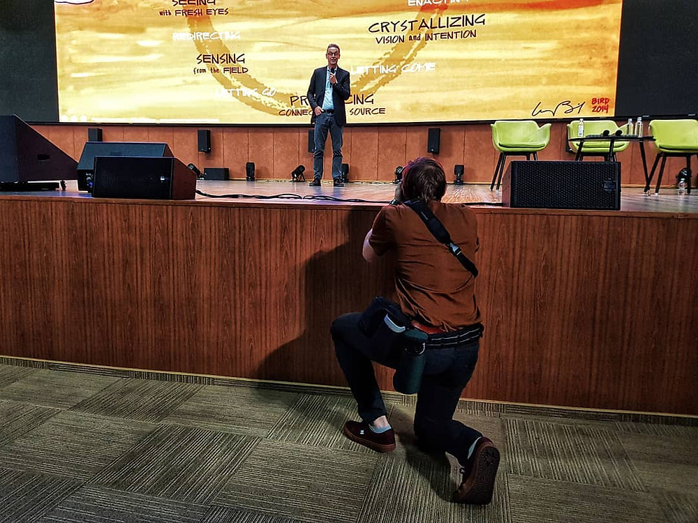 Отто Шармер на лекции в Цифровом деловом пространстве (Москва, 9.11.2019). Фото © Евгений Пустошкин