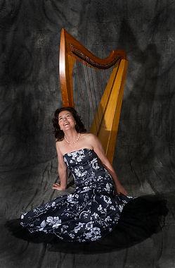 Zoe Vandermeer Soprano & Celtic Harp www