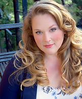 Lauren Hunt Headshot Current.jpg