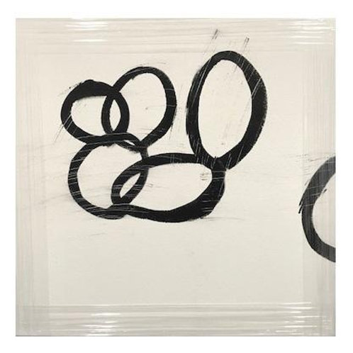 BLACK AND WHITE CIRCLES CANVAS ART