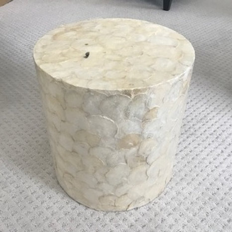 CREAM SHELL ROUND ACCENT TABLE