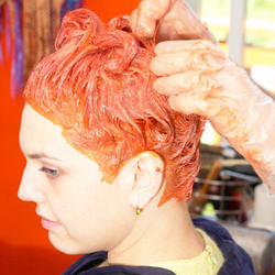 Hairstylist /colorist
