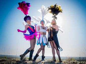 July 2016 - Let Us Entertain You: What a Drag!: A Look into Priscilla Queen of the Desert - The Musi