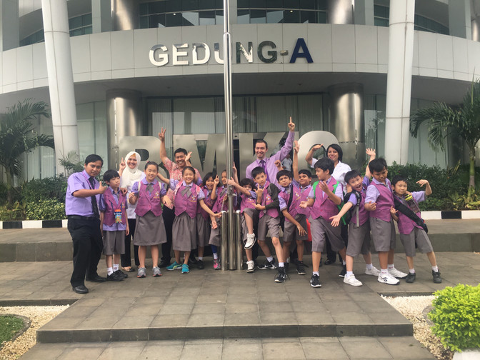 P4 Field Trip To BMKG written by Su Danni from grade 4