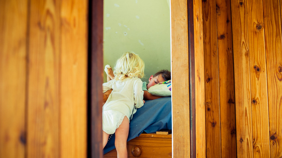 toddler-wakes-up-brother-josie-gritten-p